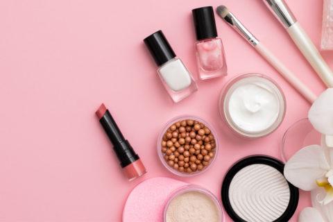 白肌になれる?かわいいピンク色のパクトとの出会い